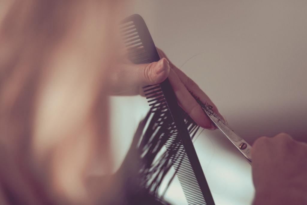 Gerti macht den perfekten Haarschnitt